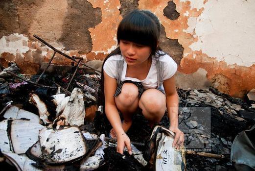月的实习工资,叶霄雯泪流满面.资料图片17岁的浙江省丽水市松图片